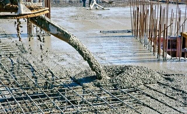Beton dökümü sırasında uyulması gereken kurallar çelik ve beton arasındaki ilişkiyi etkiler.