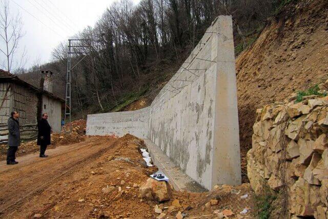 İstinat Duvarı kavramının daha iyi anlaşılması için yandan bir kesit.