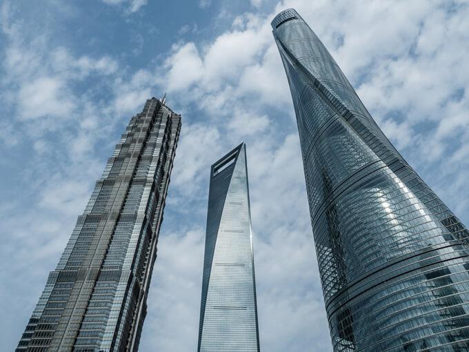 Sangai Tower Döner tasarımıyla diğer gökdelenlerden oldukça farklı.
