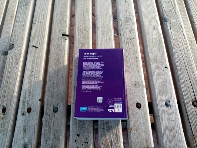 Kitabın Arka Kapak Görüntüsü