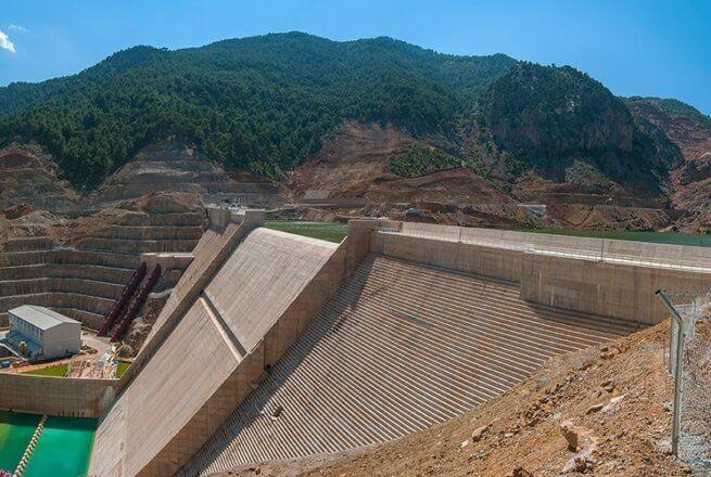 Adana köprü barajı